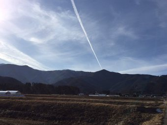 hikoukigumoomosiroi3.jpg