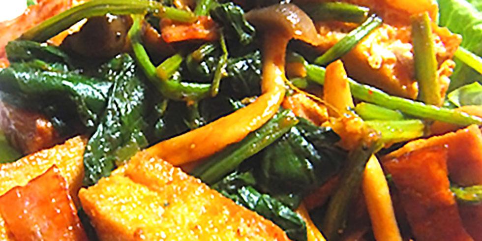 ほうれん草と厚揚げのケチャップ炒め カレー風味